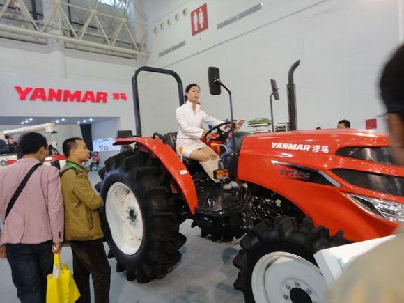 【拖拉机吧】武汉农机展
