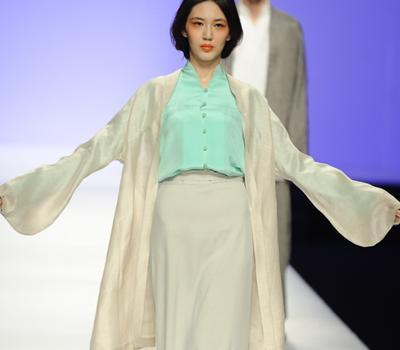 近来备受推崇的汉服唐风都因为夸张如戏服的纯粹古代图片