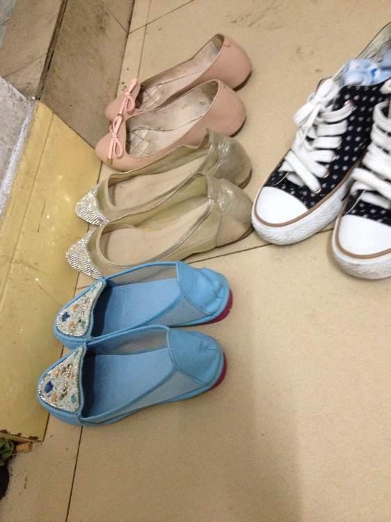 大爱平底鞋 全是美女或者少妇的 竖