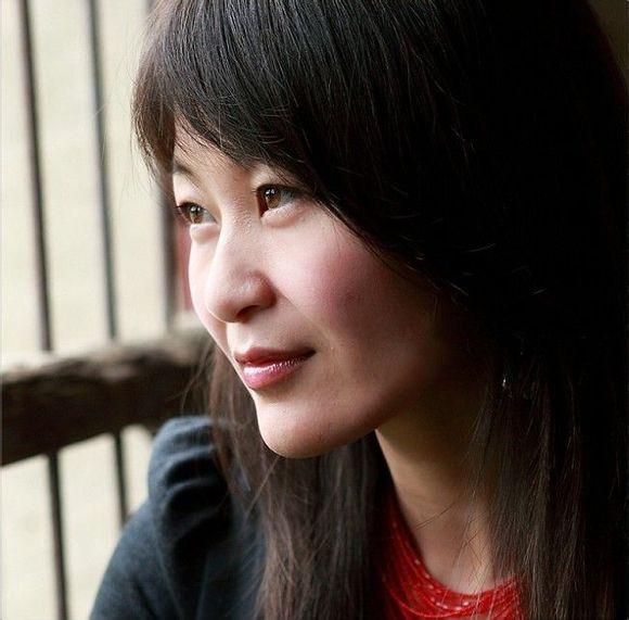 武宁船滩藉的美女作家周冲
