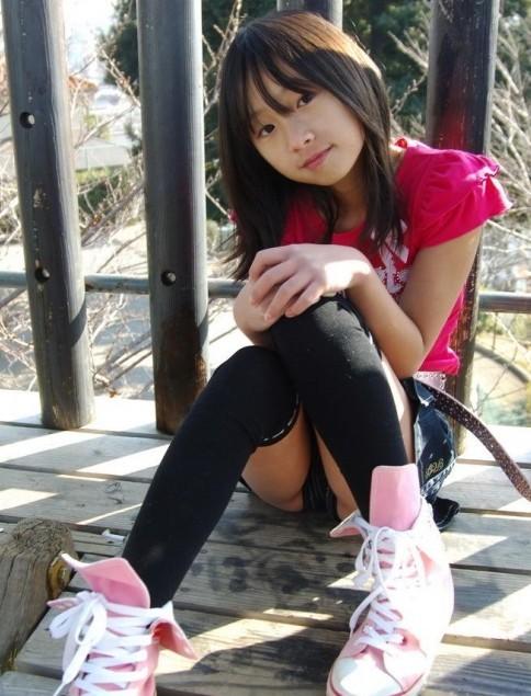 10岁小女生内内图片