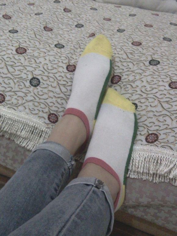 棉袜脚吧 美女棉袜脚