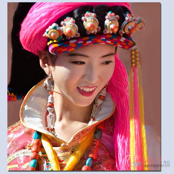 请看四川丹巴的藏族美女
