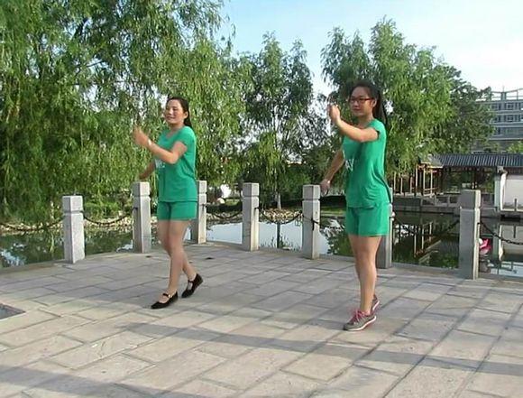 还是年轻美女广场舞 夏津吧