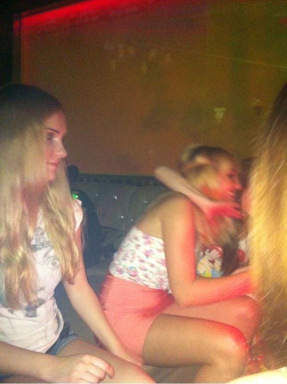 凌晨在酒吧照的俄罗斯美女