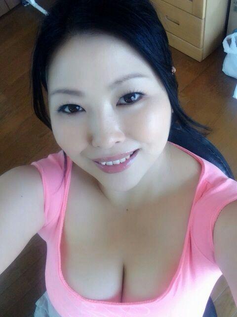 熟女no.1 - 2223442609 - 烈焰红唇