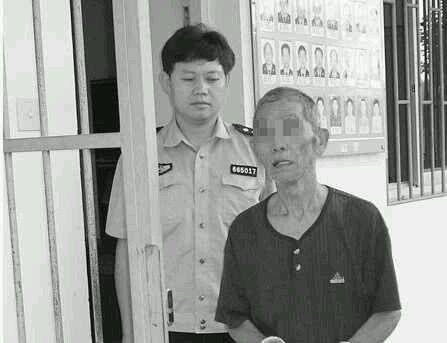 16岁少女长期8旬老人~老头终因体力不支报警