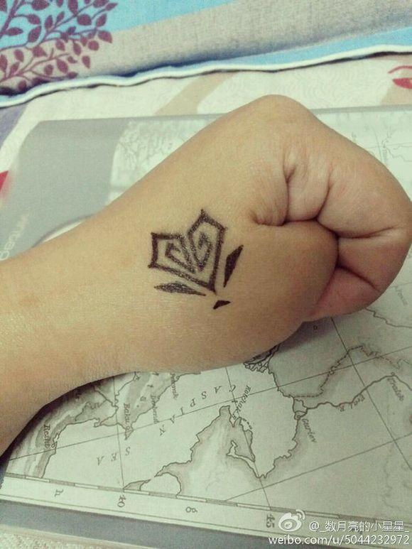 回复:教你在手上画霸气可爱的纹身图片