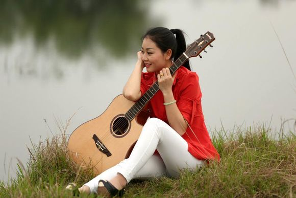 美女与吉他_吉他吧_百度贴吧图片