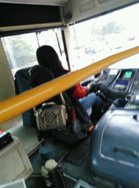 公交车的美女司机!