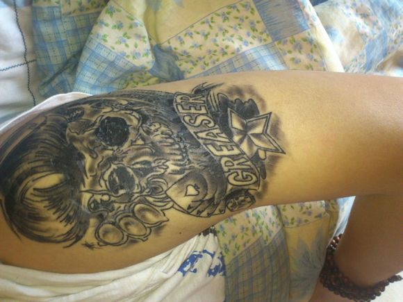 纹身脱皮后开始掉色!图片