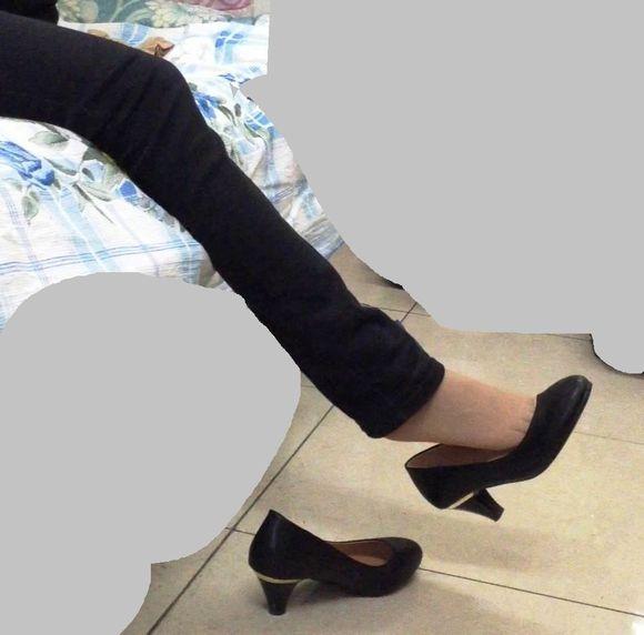优雅小淑女的酸臭丝袜脚,连播中_短丝吧_百度贴吧