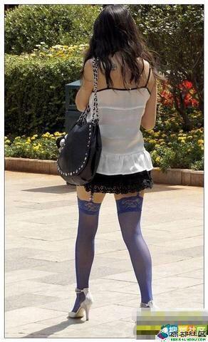 吊带小背心配性感吊带袜美女