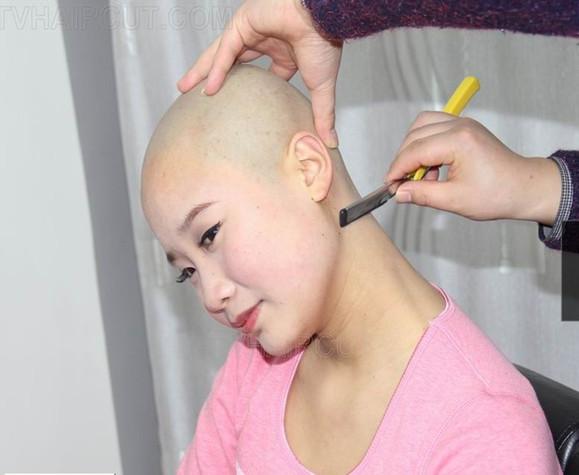 女孩喜欢剃光头