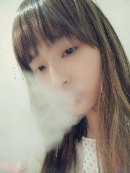 女生吸烟 萌妹子吧