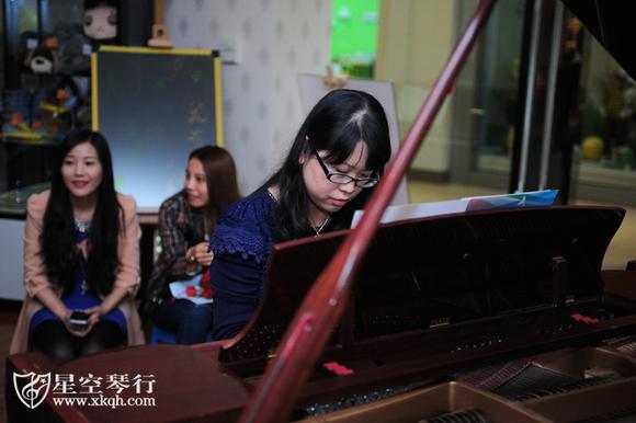 用电子琴演奏钢琴谱图片