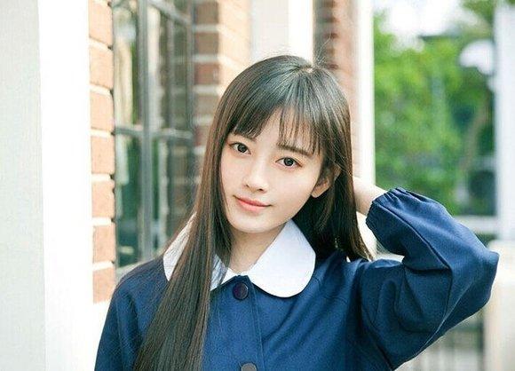 中国第一美女在沪拍民国风校服照