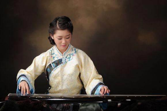 中央音乐学院古琴美女加盟电视剧《想恋爱