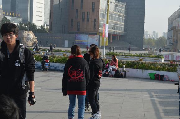 美女镇楼!安徽蚌埠轮滑盛典海量刹车照片