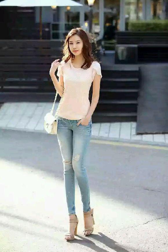 对于穿牛仔裤的长腿美女完全就没有抵抗力了 竖