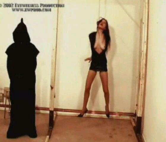 恐怖分子绞死美女人质全过程