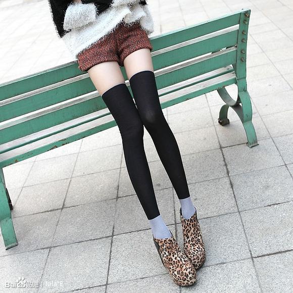 白色高筒袜