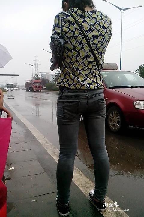 街拍低腰牛仔裤臂沟
