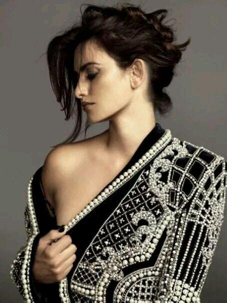 外国美女秀c字裤图片