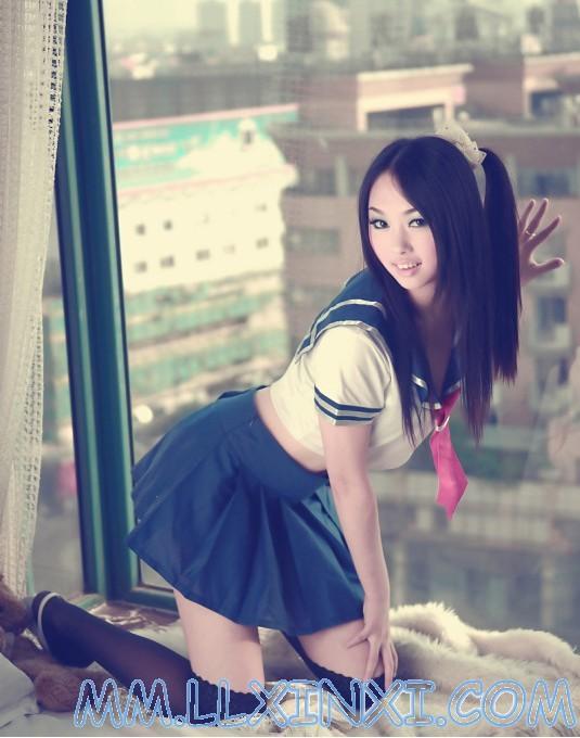 美女穿丝袜尿裤视频