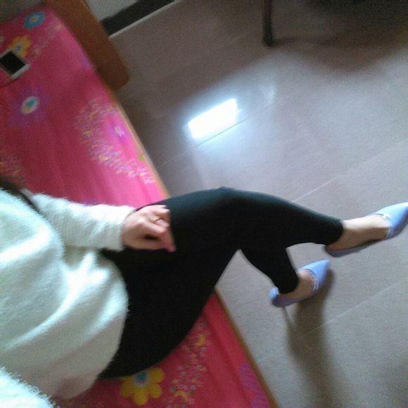 喜欢初中女生穿的丝袜