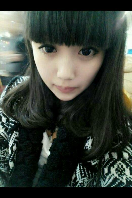 漂亮女生二十岁的照片