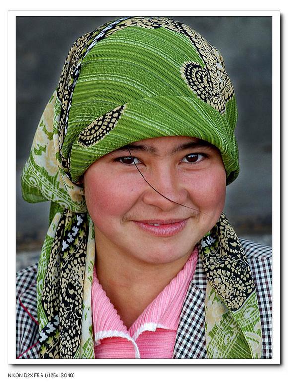 我在新疆玩维族女人