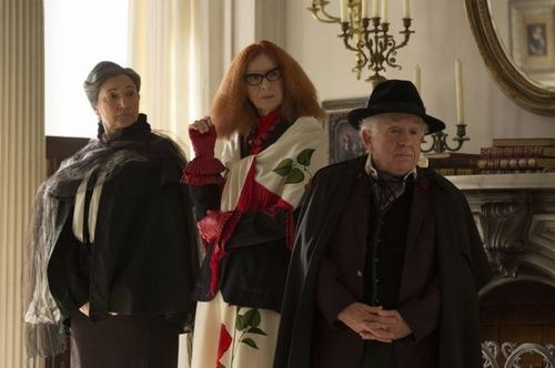 american-horror-story-coven-fearful pranks ensue-05