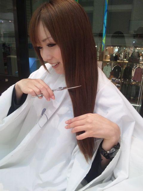 美女打架剪头发