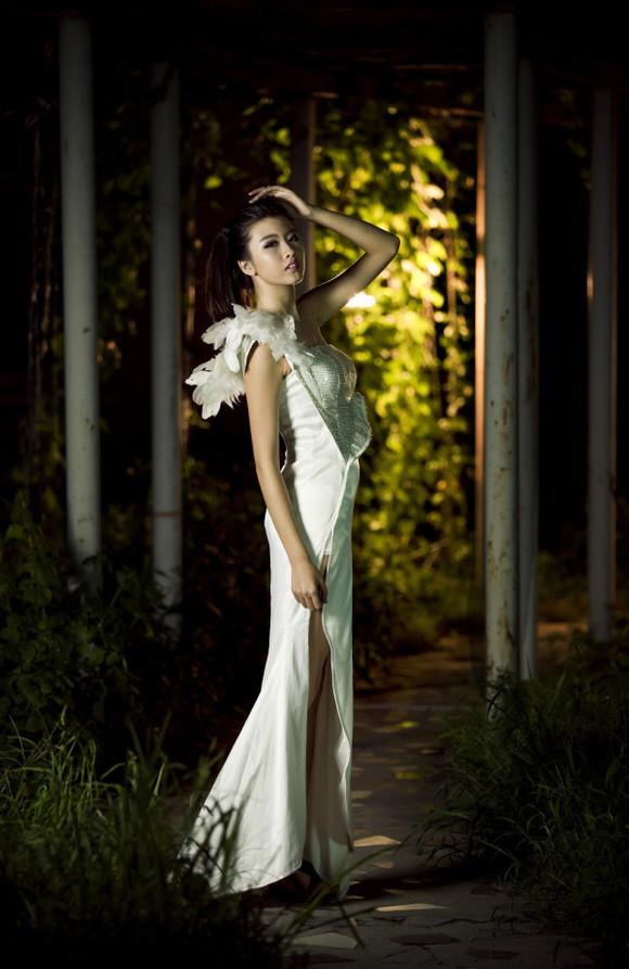 法国模特透明服装表演
