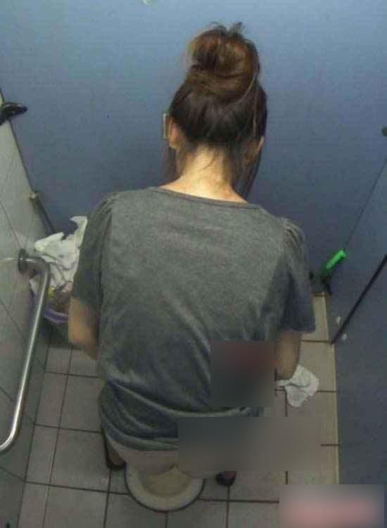 女厕所里的摄像头视频