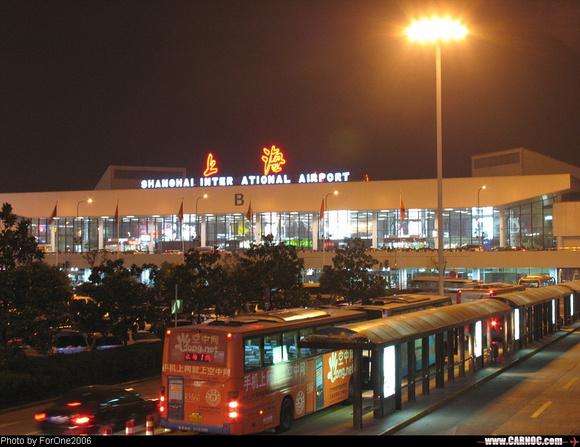 上海虹桥火车站夜景