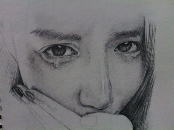 手绘美女哭泣图片
