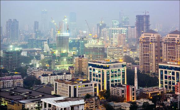 深圳第一高楼昨日封顶