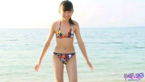 十三四岁的少女图片