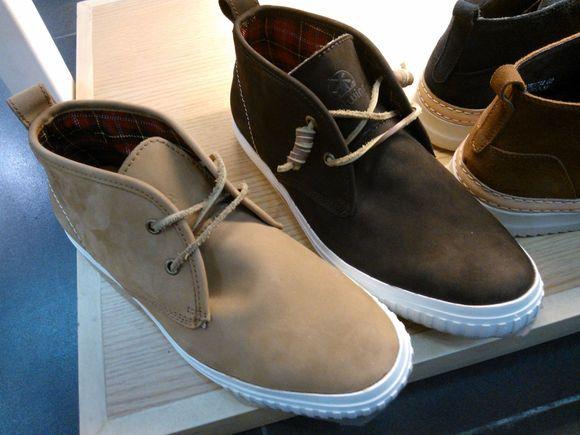 求皮靴系列番号