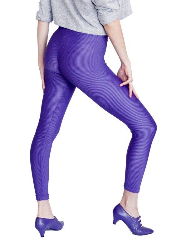 健美裤美女图片
