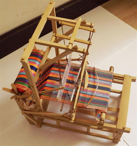 【原本】手工制作 微型 老式织布机!真的能织布啊!图片
