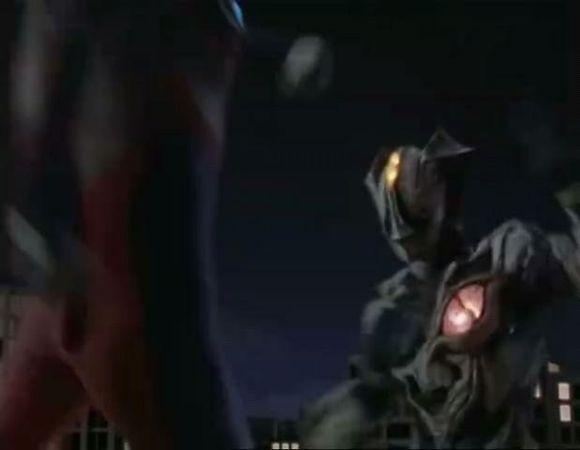 迪迦用手里弹终于给了基里艾洛德人实际性的伤害!