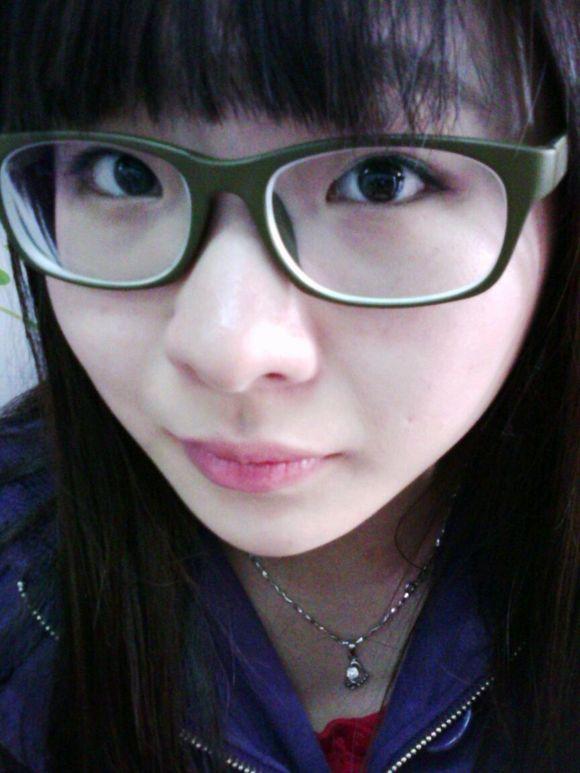 近视眼镜可以摘下来吗