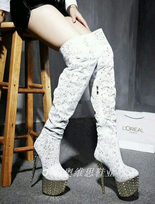 在网上找的19~20cm超高跟鞋的美女姐姐