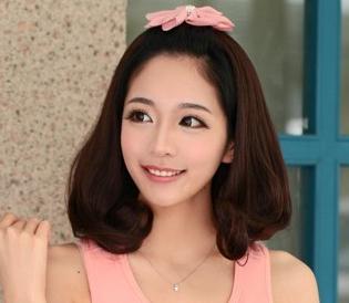 """上去的头发的】要有图""""相关的详细问题如下:我是齐刘海怎样恰发卡好看图片"""