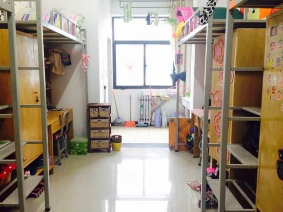 回复:【福利】给新生们看看宿舍吧~_洛阳师范学院吧图片