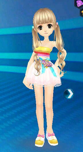 今天一个班里一个小女孩穿的裙子图片