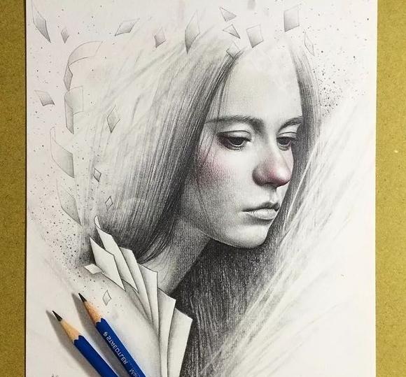 不知道这样的素描作品会不会让你怦然心动,也有拿起画笔临摹自己女神图片